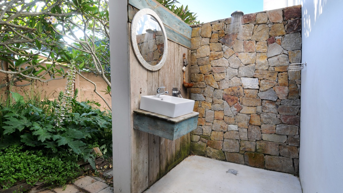 Outdoor shower  - for those sun-filled beach days.