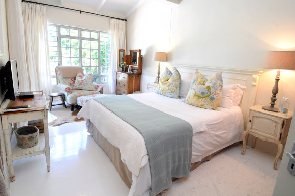 luxury self-catering & bed and breakfast accommodation in Kenton-on-Sea