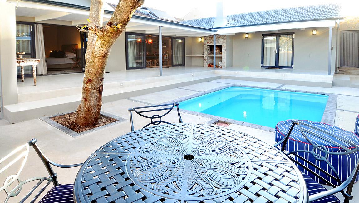 Whole house rental accommodation in Kenton-on-Sea